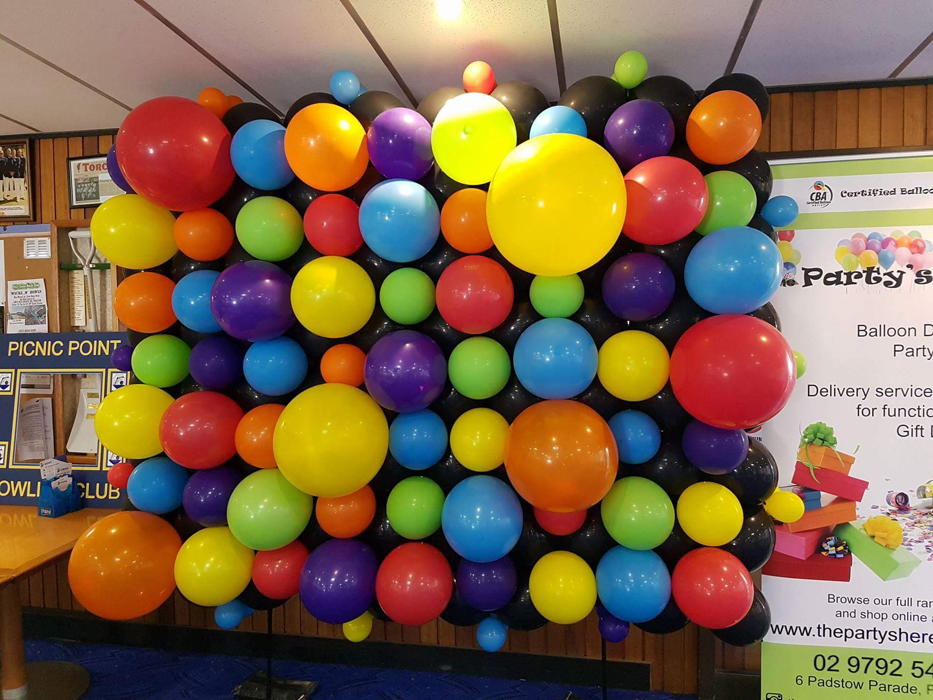 Balloon walls organic party shop birthday balloons for Balloon decoration on wall for birthday